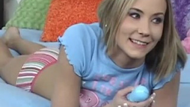 YOUNG BLONDE KIMMI MCKENZIE PLAYS HER WITH TEEN PUSSY-BTS