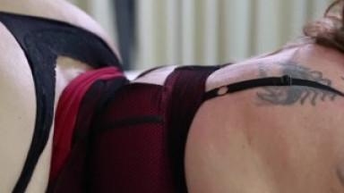 SwtFreak Twerking her HUGE ASS