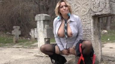 Devil Sophie widowed surprise masturbating in the cemetery in the sigh